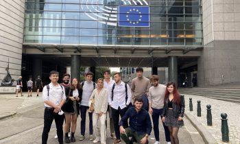 """Finnova con motivo """"Día internacional de la Juventud"""" organiza una visita en el Parlamento Europeo entre los becarios que residen en Bruselas, reafirmando el compromiso por la formación"""